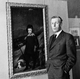"Anthony Blunt junto al ""Retrato de Baltasar Carlos"" de Velázquez / Getty Images"