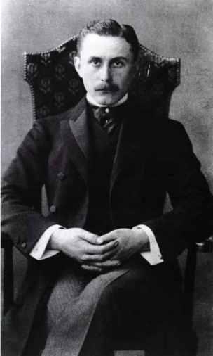 Adolf Loos en 1904 / Otto Mayer (Österreichische Nationalbibliothek)