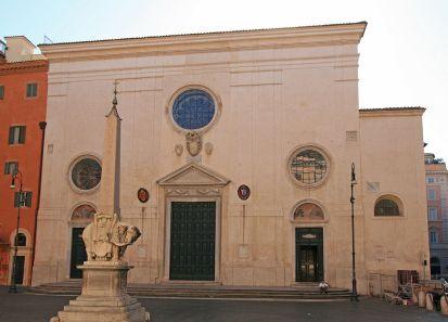Fachada de Santa Maria sopra Minerva / Foto: Jenses