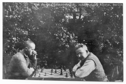 Bertolt Brecht y Walter Benjamin (Dinamarca, 1934) / Brecht-Archiv Berlin http://www.adk.de/de/archiv/archivbestand/literatur/index.htm?we_objectID=259&hg=literatur