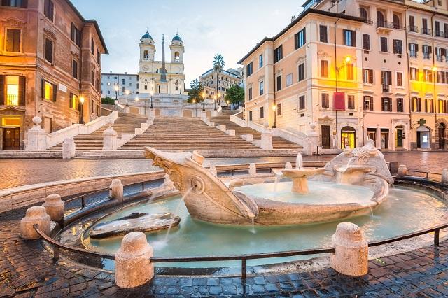 piazza de spagna in rome, italy